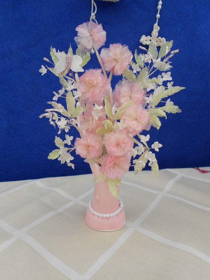 Flores feitas com escamas de peixe