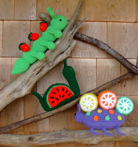 "How to Crochet a ""Squirmy Worm"" Bookmark 