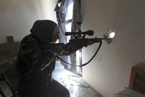 Si Penembak Jitu Cantik dari Suriah