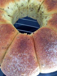 Pan dulce de naranja, aceite y anís