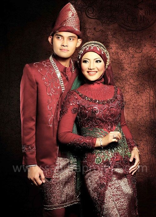 pasangan pengantin   Tata Rias & Busana Pengantin Berjilbab ...