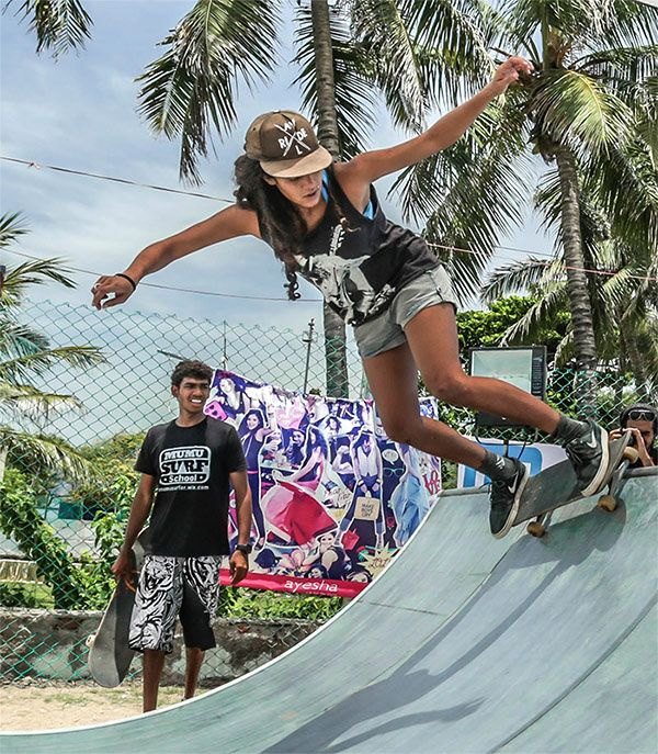 ONLY A SKATER GIRL CAN CHANNEL SO MUCH SWAGGER. #FStreet #FastrackBlog #Fashion