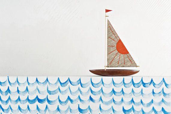 Rode zon houten zeilboot / boot / boot blaffen / interieur /