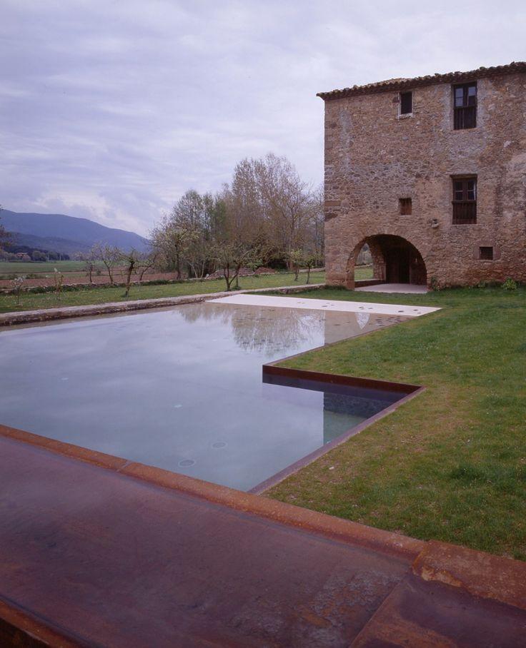 Alberca en 'La Vila' de Trincheria / RCR Arquitectos © H.Suzuki