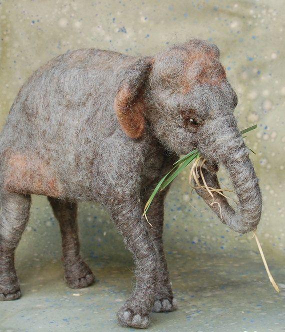 Needle Felted Asian Elephant van SarafinaFiberArt op Etsy