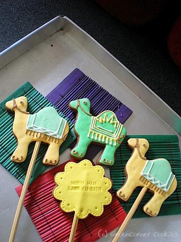 camel cookies on sticks