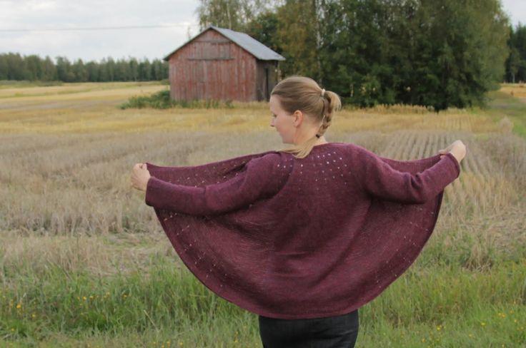 Villinä villaan: D-vitamiinia syksyyn. Heidi Kirramairein suunnittelema neuletakki.