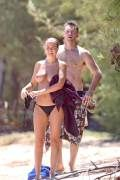 LARA BINGLE – TOPLESS BIKINI CANDIDS IN HAWAII