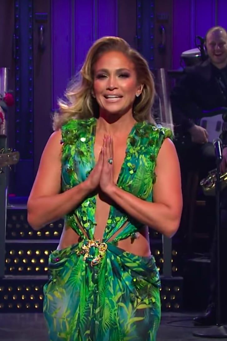 After 18 Years Jennifer Lopez Still Owns The Snl Stage In Her Versace Jungle Dress Jungle Dress Jennifer Lopez Still Jennifer Lopez [ 1092 x 728 Pixel ]