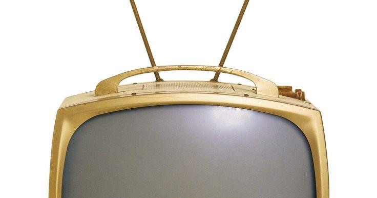 """Antenas de conejo para alta definición. Las antenas """"de conejo"""" que se colocan encima de una TV evocan imágenes de una época pasada en la que se recibían transmisiones de televisión en su mayoría aéreas. Sin embargo, las antenas de conejo están siendo comercializadas como un dispositivo que puede ayudar a proporcionar una mejor calidad de imagen HD de cable o satélite y están ..."""