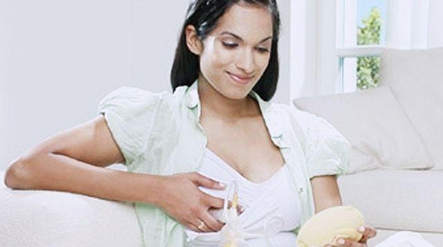 Memerah atau Memompa ASI, Sesuaikan Kondisi Ibu | Majalah Kartini
