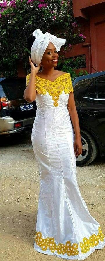 Africaine bazin riche Sénégal style six pièces robe en bazin blanc robe et broderie couleur or. Nous suggérons que vous nous laissez vos mesures pour obtenir un meilleur ajustement. Mais si vous êtes en quelque sorte incapable de faire vos propres mesures, alors s'il vous plaît choisir