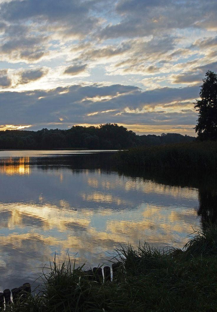 Poznan Poland, wschód słońca nad Rusałką [fot. M. Barałkiewicz]