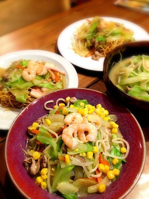 時々九州の味が恋しくて作るちゃんぽんと皿うどん、佐賀で美味しいちゃんぽんと皿うどん屋さん教えてください〜(⌒▽⌒) - 25件のもぐもぐ - ちゃんぽんと皿うどん by ひとみ