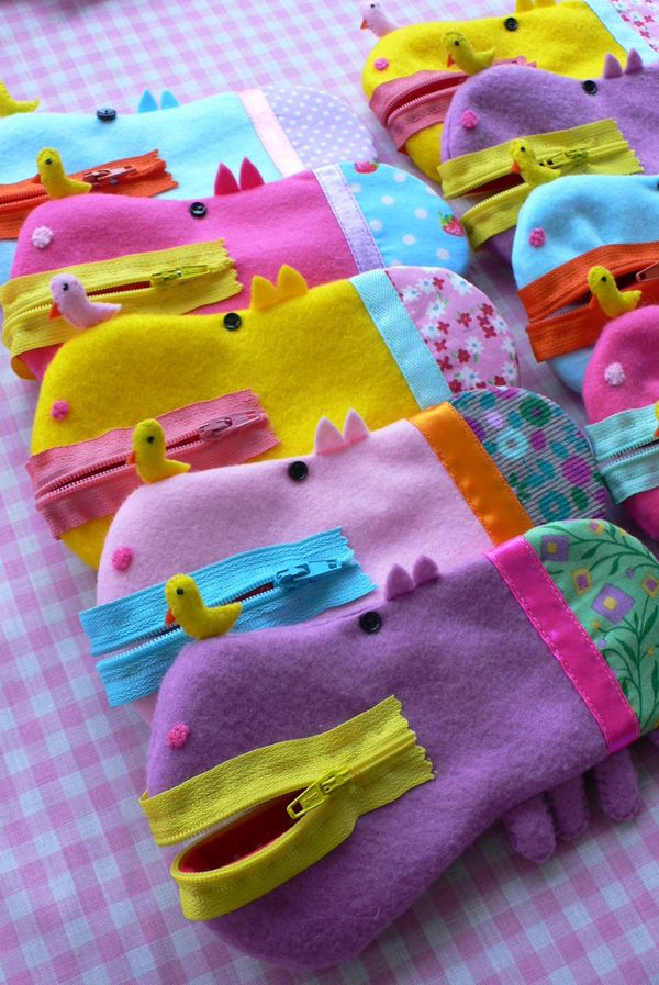 Hippo zipper pouch --- original site is down or gone (as near as I can tell) - inspiration only. 10/10 for adorable, lol!