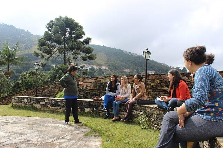 | A vida em cidades sem Delegacias da Mulher | Mulheres de Ouro Preto, MG, se reúnem para discutir próximos passos da luta por uma delegacia especializada na cidade.