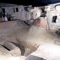 Crypte archéologique de la basilique saint denis