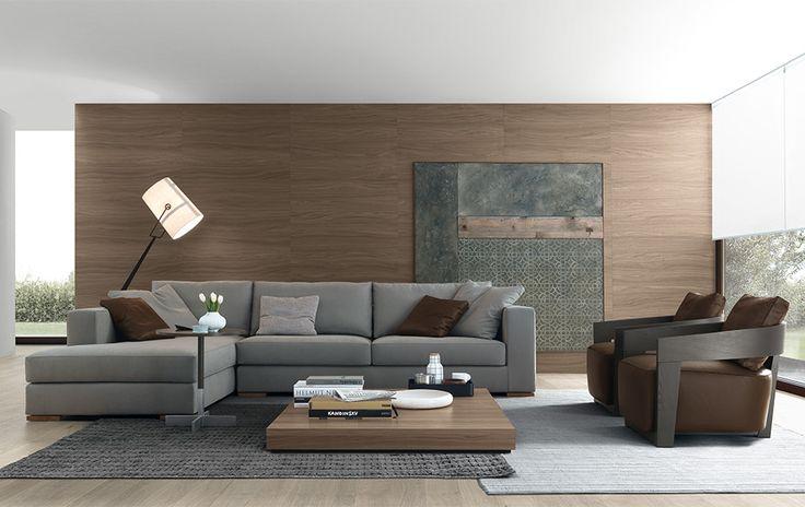 Divano componibile con struttura in legno e imbottitura in poliuretano espanso a densità differenziata. Cuscini di seduta in poliuretano e sfoderabili.