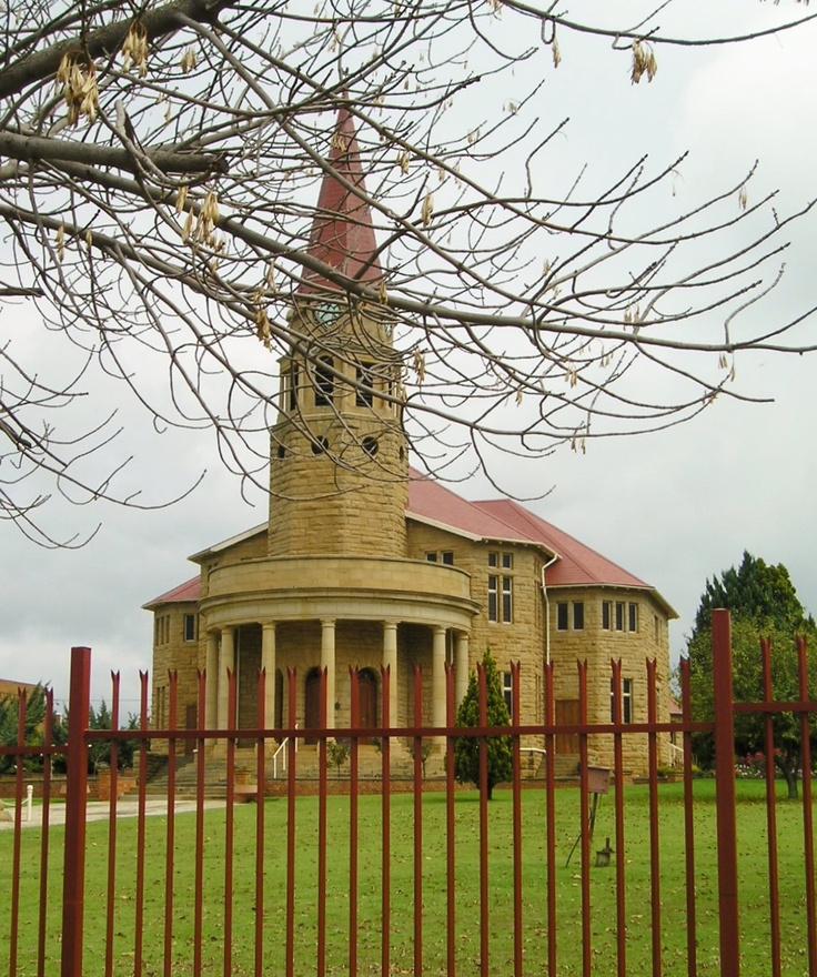 Sandstone church in the village of Kestell, Eastern Free State designed by well known South African architect Gerard Moerdijk. Photo by Martie van Niekerk.