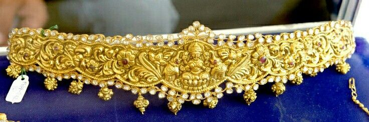 Indian jewelry: gold belt
