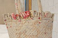 Quilted Bag: Quilts Bags, Display Bags, Accessories Bags, Bags Embroidered Stripes, Quilted Bag