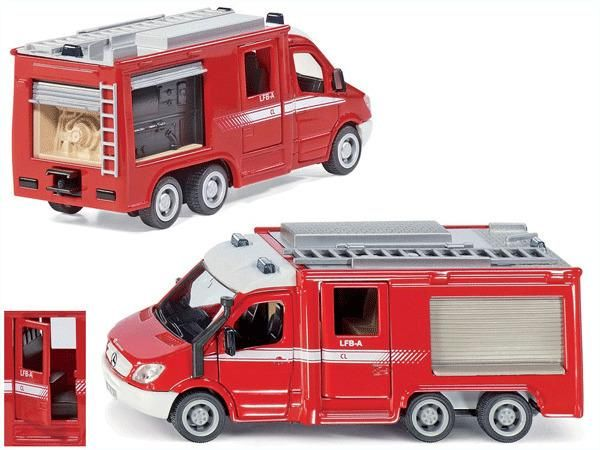 Jual beli MERCEDES-BENZ SPRINTER 6X6 FIRE ENGINE Diecast SIKU di Lapak Rijal Bakule - rijal6683. Menjual Diecast - MERCEDES-BENZ SPRINTER 6X6 FIRE ENGINE Diecast SIKU The Sprinter Fire Engine is ready for all emergencies!  With 3 axles and all-wheel drive, this model can get to emergencies even over inaccessible terrain.  The wide opening doors for driver and fire crew cabins make it easy to get on board.  The newly modelled flaps on the side and rear are neatly recessed in the body after…
