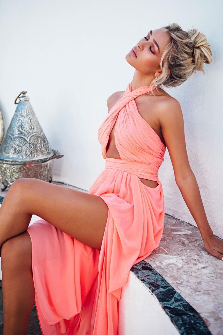 \\ Pinterest: @CrazyAssBitches // coral summer dress.