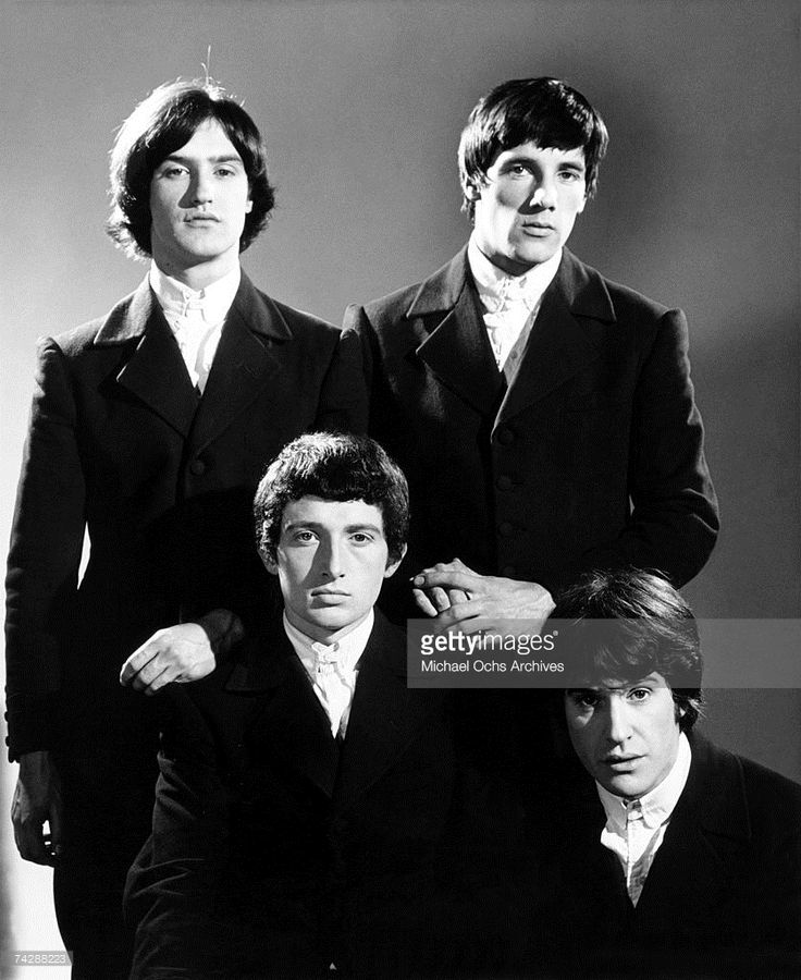 Peter Quaife, Ray Davies, (Top row L-R) Dave Davies, Mick Avory of the rock group 'The Kinks' pose for a portrait session in 1965 in London, England.