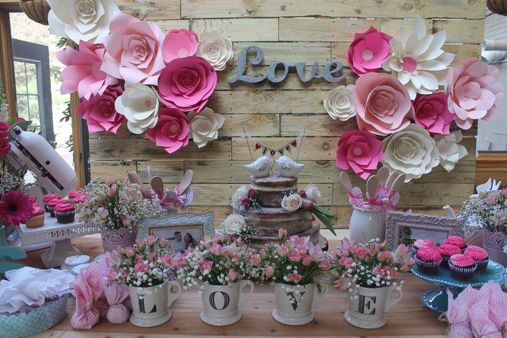 Esse chá de cozinha rosa e verde está cheio de inspirações para a decoração, lembrancinhas e também para brincadeiras. Impossível não se inspirar!