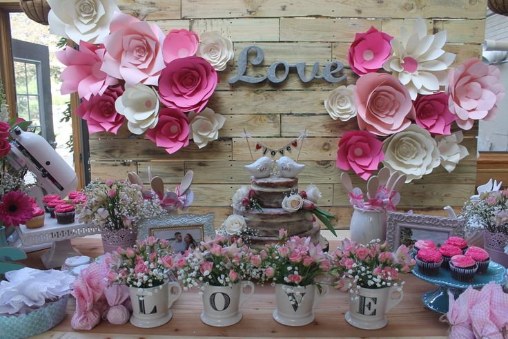 Esse chá de cozinha rosa e verde está cheio de inspirações para a decoração…