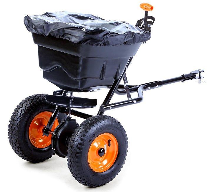 Rozmetadlo – posypový vozík FX GS36S tažený - kvalitní přívěsný posypový vozík, rozmetadlo, které využijete celoročně. V zimě pro posyp solí nebo jemným štěrkem. V létě při péči o trávník – hnojiva nebo semena. Variabilní šířka posypu až do 3,65 m, nádoba s objemem 36 l.