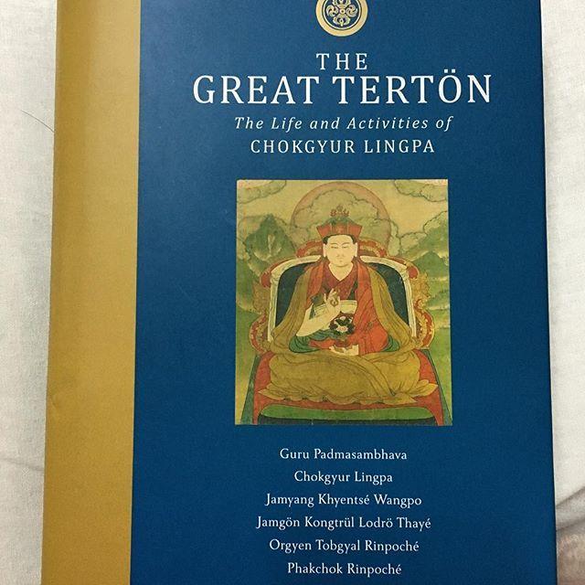 Book which I'm reading this days is on The Great Terton (The life and activities of Chokgyur Lingpa). #book #buddhism #nyingmapa #phakchokrinpoche #gururinpoche #choklingtersar #terton #vajrayanabuddhism #vajrayana #vajrayanapractioner #vajrayanabuddhist #jamyangkhyentsewangpo #jamgönkongtrüllodröthayé #orgyentobgyalrinpoche #gurupadmasambhava