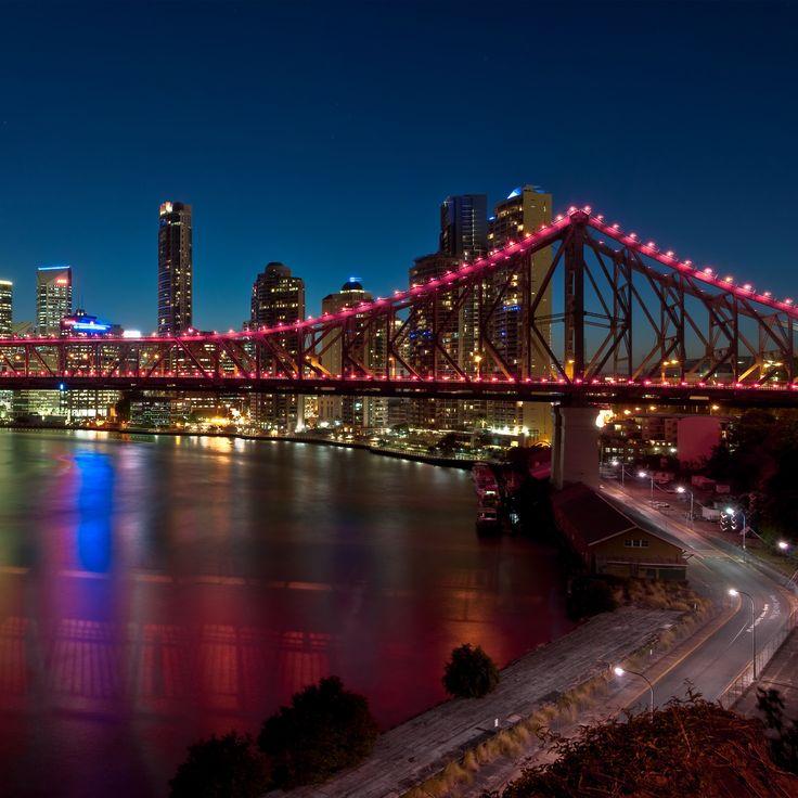 夜の街を彩るのはストーリー ・ ブリッジ。ブリスベン 旅行・観光のおすすめスポット!