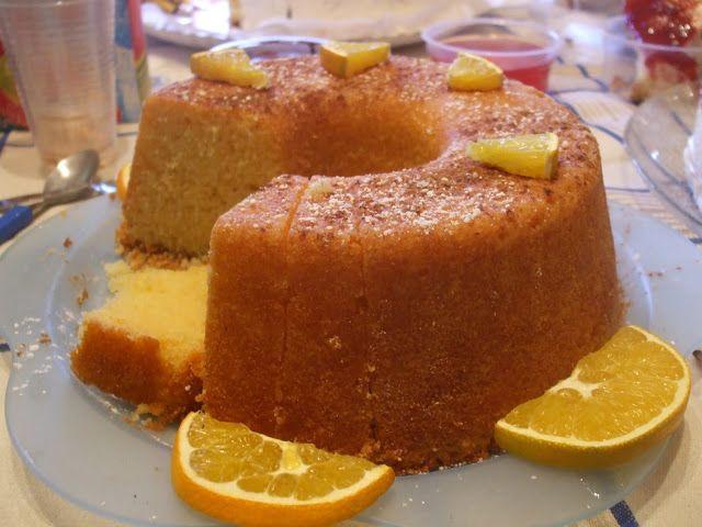 Ingredientes: 200 g de manteiga 300 g de açúcar 6 ovos 300 g de farinha 2 colheres de chá de fermento em pó 1 laranja sumo e raspa  Cal...