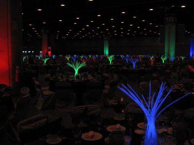 Glow stick centerpiece restaurants bar clubs for Glow in the dark centerpiece ideas