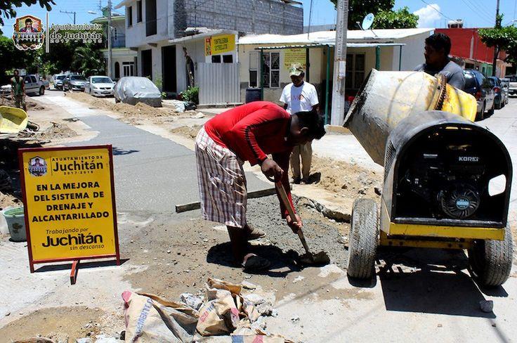 Ayuntamiento de Juchitán Concluye  rehabilitación de drenaje sanitario en Infonavit Zapandú