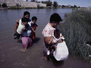 Ο Τραμπ θέλει να χωρίζει στο εξής μητέρες και παιδιά προσφύγων.