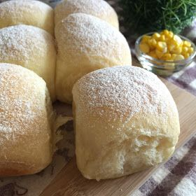 A soft and sweet milk bun with the nice natural aroma and colour coming from the blended fresh corn kernels. Baking at low temperatu...
