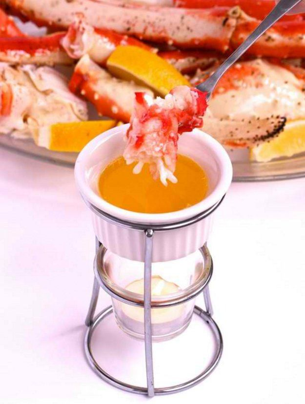 King Crab Legs Drawn in Butter | 10 New Years Eve Dinner Recipes to RIng in 2016 With Style, see more at http://diyready.com/new-years-eve-dinner-recipes
