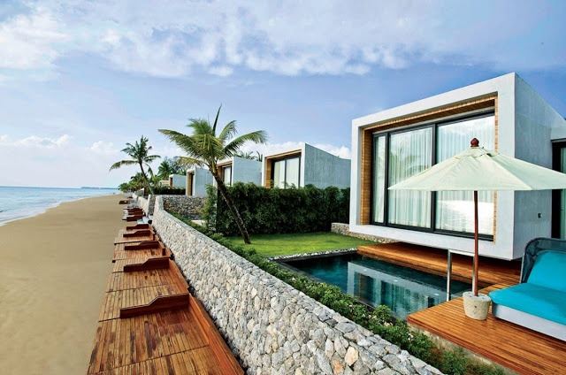Small House On The Beach by VaSLab Architecture