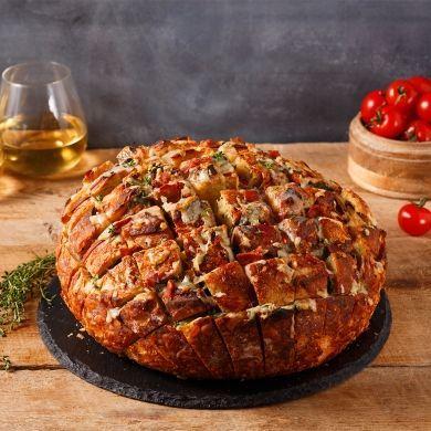 Pain farci au fromage l'Ancêtre et pancetta - Recettes - Cuisine et nutrition - Pratico Pratique