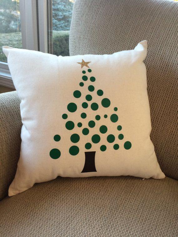 Árbol de Navidad almohada decoración por LiveInTheMomentGifts