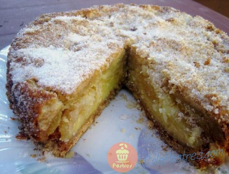 Esta tarta es super rica apreciándose gratamente la delicia del puré de manzana que se forma y la capa de masa crocante.