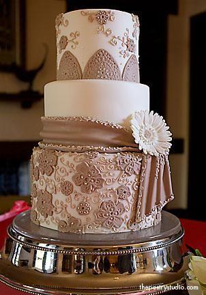 Stunning cake: Ideas, Gerbera Daisies, Daisy Wedding Cakes, Brown Wedding Cakes, Color, Amazing Cakes, Beautiful Cakes, Weddingcake