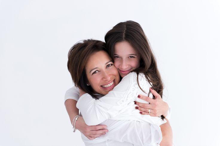 amor de mãe e filha por @lauraalzueta