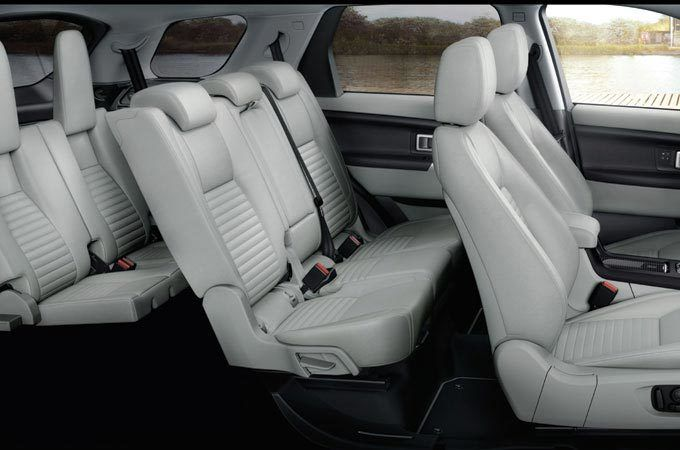 A spacious 7 seater SUV: New Discovery Sport's cabin.
