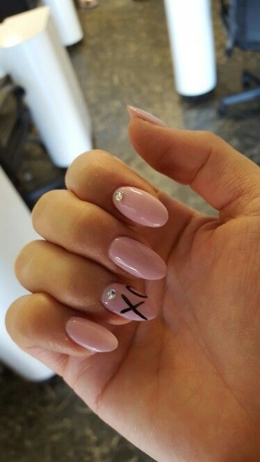 The Weeknd nails