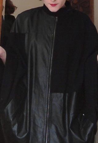 Black cape size XS/S Monki