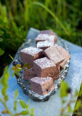 Mustikkavaahtokarkit // Homemade blueberry marshmallows (recipe in Finnish)