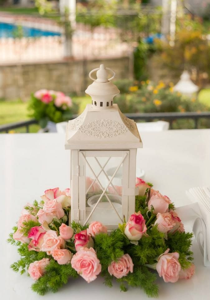 You've set the date. You've found the dress. Now let us help you find your perfect flowers! Our wedding experts have created a collection of gorgeous bouquets, centerpieces & .